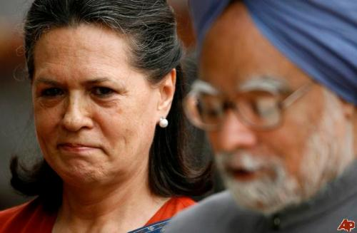 Smiling Sonia Tamed MMS